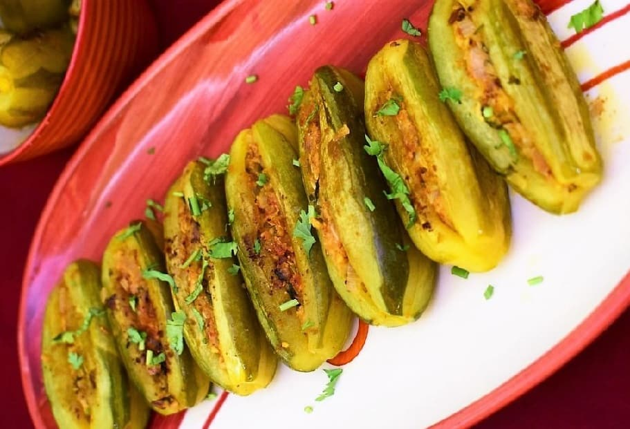Bharela Parval Nu Shaak/Stuffed Parval Vegetable